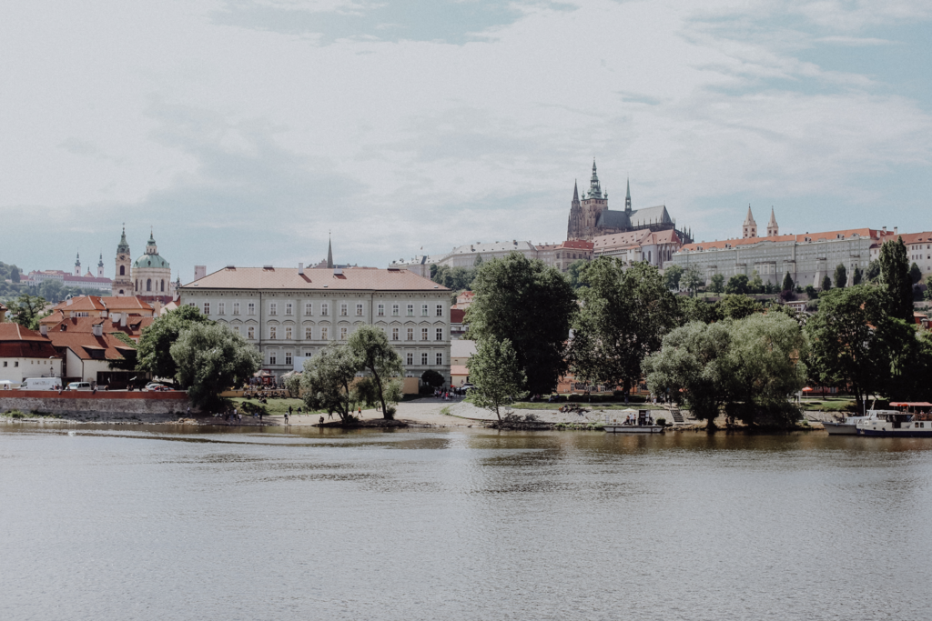 So geht Sommer in Prag: Die besten Tipps