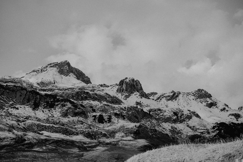 Mountains are calling ... and we must go. Für mich gibt es nichts schöneres als einen Wanderweg in Bergen. In der passenden Kategorie findest Du deshalb meine liebsten Touren, Packlisten und Wandertipps.