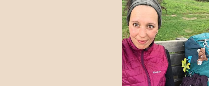 Über die Autorin Als Wahlhamburgerin mit rheinischem Migrationshintergrund hätte Audrey bis vor ihrem 2016er Sabbatical auf dem Jakobsweg wohl kaum geglaubt, dass sie mal mehr als 2.500 Kilometer mit Rucksack wandern würde. Was sie auf etlichen Jakobs- und Fernwanderwegen erlebt hat, erzählt sie in über 100 Berichten auf ihrem Blog Audrey im Wanderland Etappe für Etappe, sodass du deine eigene Fernwanderung gemütlich von der heimischen Couch mitlaufen oder planen kannst.