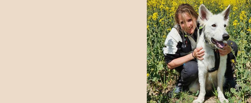"""Über die Autorin Maddie schreibt auf ihrem Outdoor-Blog """"Maddie unterwegs"""" über Wandertouren, Outdoorerlebnisse und den perfekten Urlaub mit Hund. Da der Schweizer Schäferhund Barney ihr ständiger Begleiter ist, sind die Trekkings und Reisen auf Europa beschränkt."""
