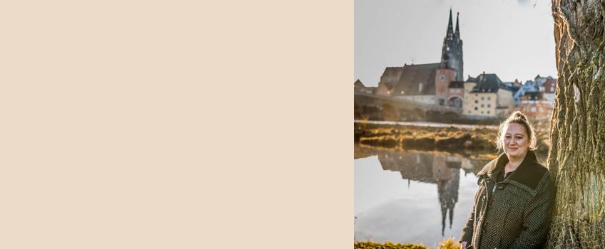 Über die Autorin Sophia ist Reise- & Outdoorbloggerin und nimmt auf ihrem Blog Sophias Welt Naturliebhaber und Reiselustige mit auf eine Tour quer durch Deutschland und zeigt ihnen ruhige Plätze in der Natur und kulinarische Highlights in Städten. Ein Anliegen ist es ihr auch Weltenbummler zu inspirieren ihre Heimat zu erkunden und mehr Bewusstsein für umweltfreundliches Reisen zu schaffen.